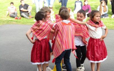 Une fin d'année colorée: spectacle des enfants